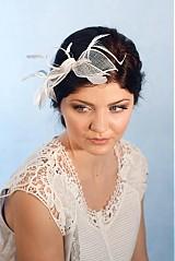 Čelenky - Svadobná ozdoba do vlasov s pierkami, fascinátor  - 2298795