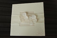 Papiernictvo - Svadobné oznámenie - krémové s kvietkami - 2343813