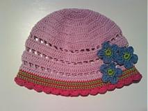Háčkovaná čiapka - jarná fialová SKLADOM