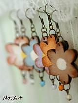 beige flores