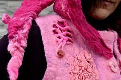 Iné oblečenie - Vesta plstená z ružového obláčika(vesta+odopínacia kapucňa) - 2443692