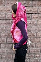 Iné oblečenie - Vesta plstená z ružového obláčika(vesta+odopínacia kapucňa) - 2443700