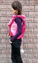 Iné oblečenie - Vesta plstená z ružového obláčika(vesta+odopínacia kapucňa) - 2443725