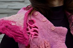 Iné oblečenie - Vesta plstená z ružového obláčika(vesta+odopínacia kapucňa) - 2443742