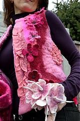 Iné oblečenie - Vesta plstená z ružového obláčika(vesta+odopínacia kapucňa) - 2443773