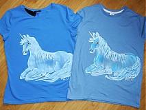 - Biely jednorožec na modrom pre dve krásne plavovlásky - 2446361