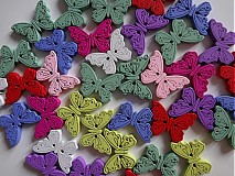 Drevené gombíčky motýlikovia