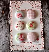 Sada gombíkov vintage v ružovej 19 mm