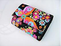 Peňaženky - Květinkoví motýlci- menší prostorná karty a 2 měny - 2698203