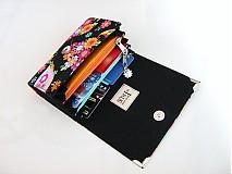 Peňaženky - Květinkoví motýlci- menší prostorná karty a 2 měny - 2698211