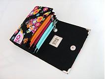 Peňaženky - Květinkoví motýlci- menší prostorná karty a 2 měny - 2698212