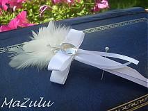 elegantné svadobné pierko