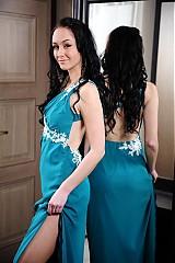 Šaty - Exkluzívne šaty holý chrbát- rôzne farby - 2944145