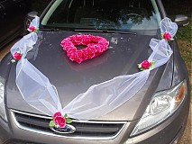 Dekorácie - Jednofarebná výzdoba na auto so srdcom - 3029262