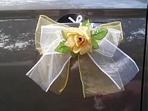 Dekorácie - Dvojfarebné mašle s ružou na kľučky auta - 3029300
