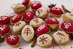 Dekorácie - Vianočné oriešky maľované - 3180727
