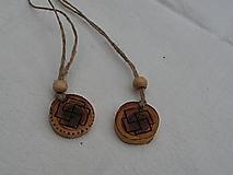 Náhrdelníky - Amulet - rámová svastika - 3181095