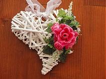 Srdiečko s cyklamenovou ružou