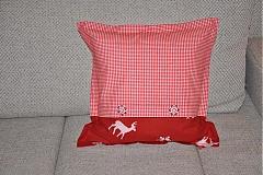 Úžitkový textil - Vianočný vankúšik-sobík a vločky 2 - 3413587