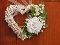 Srdiečko s ružičkou a konvalinkami