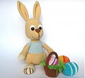 Návody a literatúra - Háčkovaný zajačik s kraslicami a košíčkom - návod - 3542902