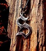 Náhrdelníky - písmeno s patinou - 3564718
