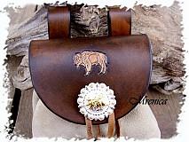 Taštičky - ,,Batôžtek na opasok s  motívom bizon