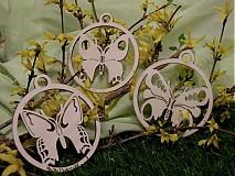 Dekorácie - Set drevených ozdôb - Tri motýle mix - 3668873