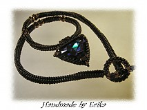 Náhrdelníky - Heliotrope triangle - náhrdelník s príveskom - 4739