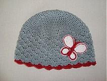 Detské čiapky - Šedá čiapočka s motýľom - 680506