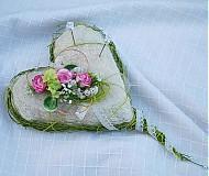 Prírodné srdiečko na svadobné obrúčky