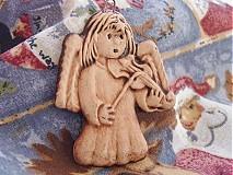 Dekorácie - Anjelik husle - 894541