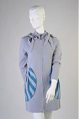 Kabáty - Svetlosivý dlhší kabátik/mikina/svetrík s MAXIvreckami - 973089