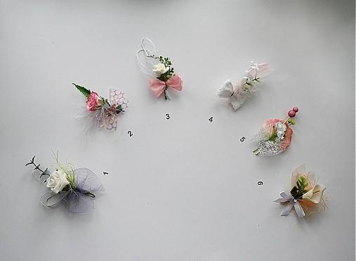 Svadobné pierka pastelové