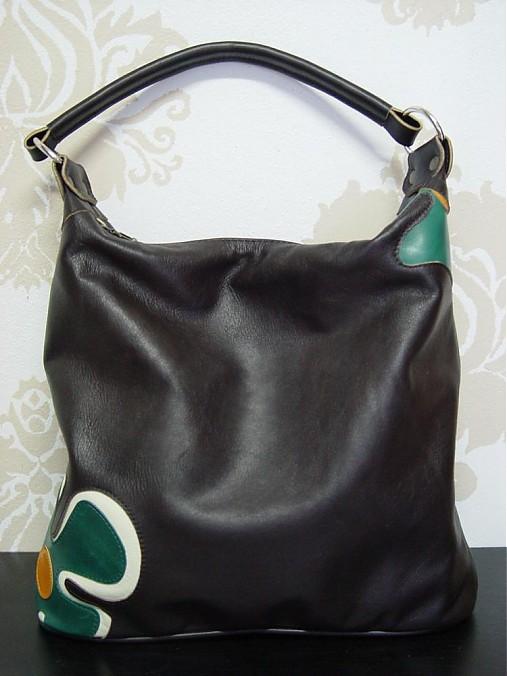 6b2735dd66 Krásna hnedá kožená kabelka Maťka s krásnym kvetom   DajanaRodriguez ...