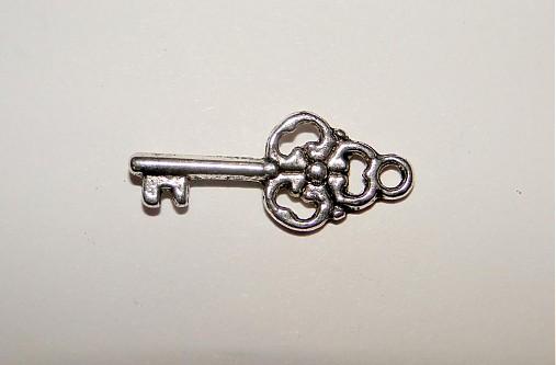 KPrív-kľúčik-1ks (9x22mm-platina)