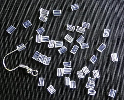 Plast.zarážka na puzetu-50ks