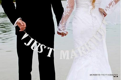 Dekorácie - girlanda JUST MARRIED - 1591194