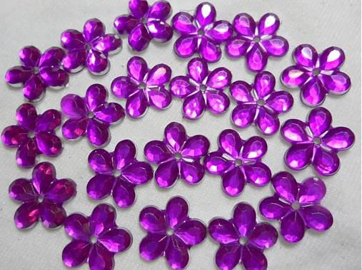 Kvetina našívacia 11mm-1ks