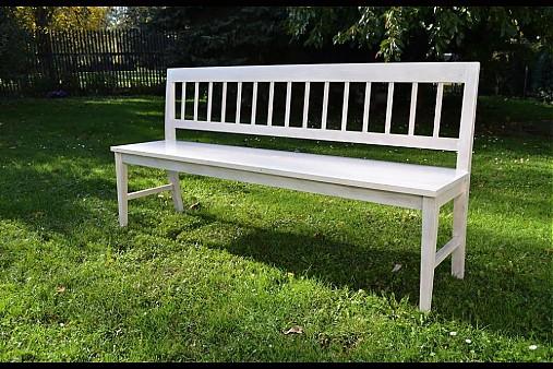 Bílá lavice