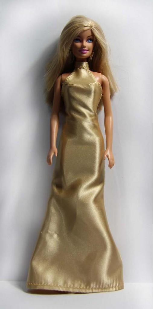 Zlaté večerné šaty pre BARBIE   TrishaFate - SAShE.sk - Handmade Hračky 567dbe4d712