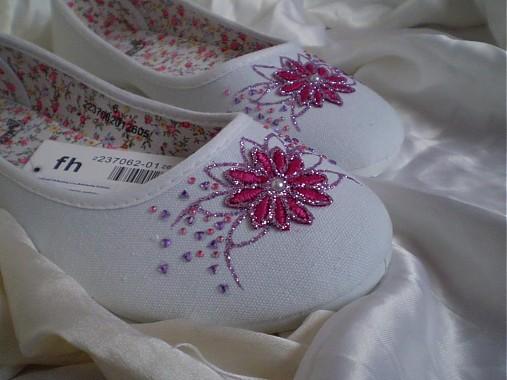 900f7a2f4 Michelle - cyklámenové svadobné alebo spoločenské balerínky ...