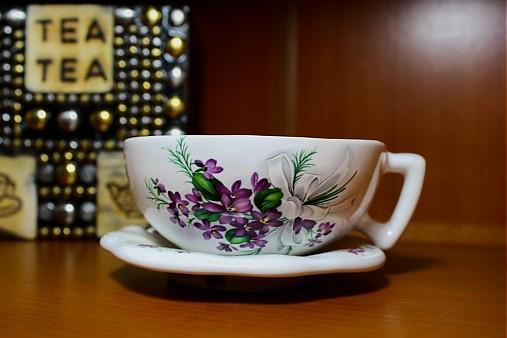 Šálka s podšálkou na čaj - fialky