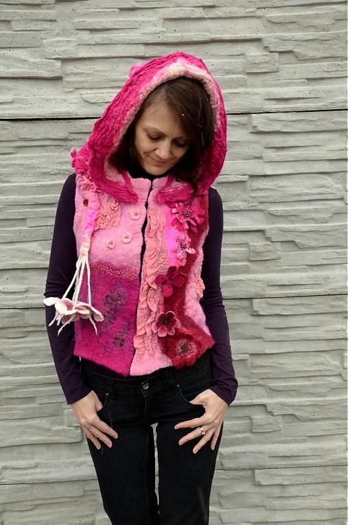 Vesta plstená z ružového obláčika(vesta+odopínacia kapucňa)