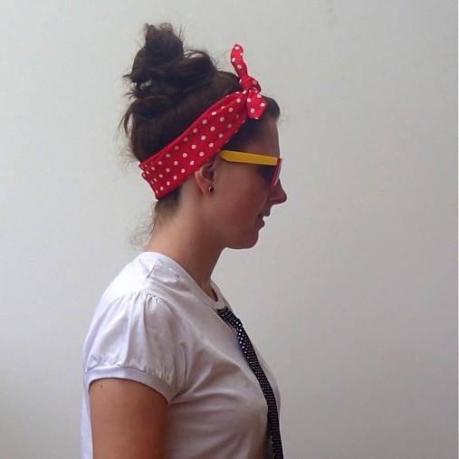 74637cc8149 Šátek do vlasů - ala uklízečka   u-bambule - SAShE.sk - Handmade