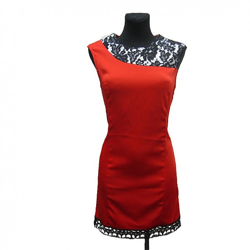 Púzdrové šaty v kombinácii s krajkou SKLADOM   Dyona - SAShE.sk ... ebb97aea32d