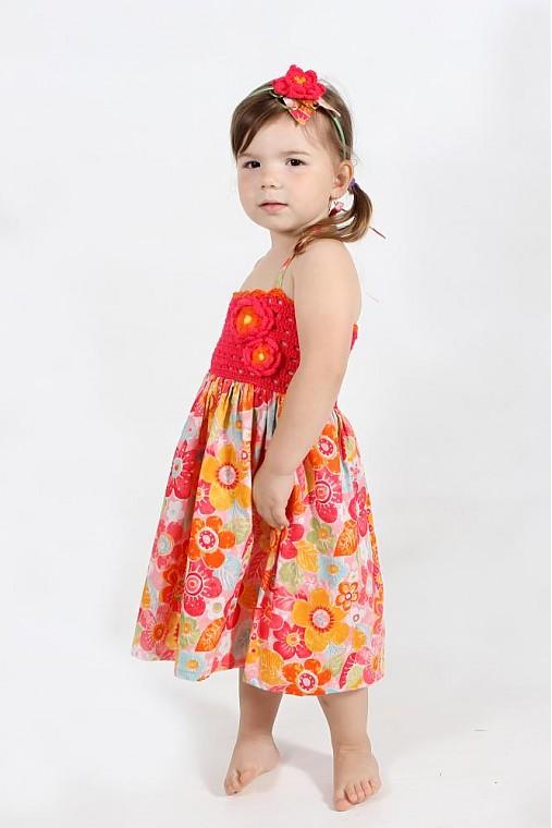 Pestrofarebné šaty