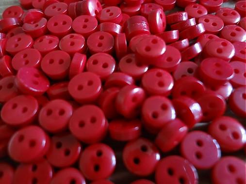 Mikro plastový gombíček 6mm červený