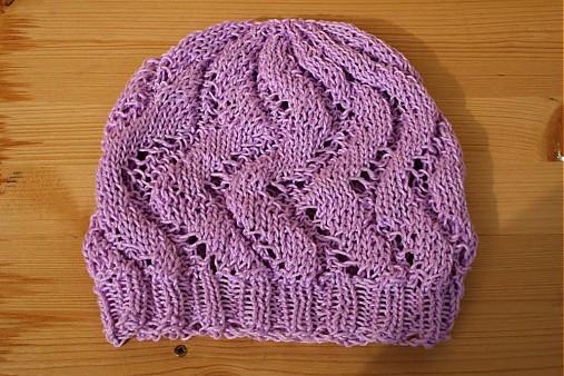 38686e42555 Pletená čepice pro malé i velké slečny   pletena-tvorba - SAShE.sk ...