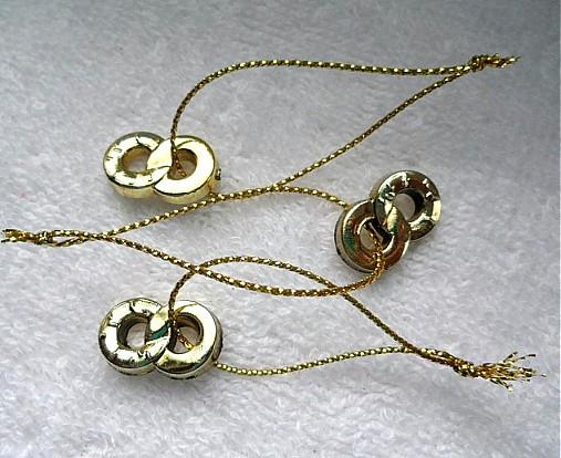 Prstienky na šnúrke (zlatá-1ks)